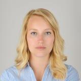 Portrait officiel d'une femme blonde Photo stock