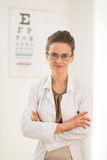 Portrait of ophthalmologist doctor woman Royalty Free Stock Photos