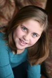 Portrait of preteen girl smiling Royalty Free Stock Photos