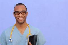 Portrait principal de tir de plan rapproché de professionnel sûr de soins de santé avec l'espace de copie du côté droit photographie stock libre de droits