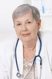 Portrait of senior female doctor Royalty Free Stock Photos