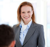 Portrait of a smiling businesswoman standing Royalty Free Stock Photos