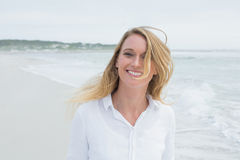 Portrait of a smiling casual woman at beach Royalty Free Stock Photography