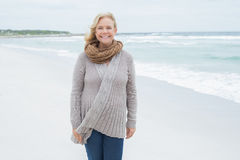 Portrait of a smiling senior woman at beach Royalty Free Stock Photography