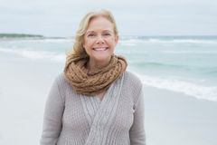 Portrait of a smiling senior woman at beach Royalty Free Stock Photos