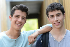Portrait of smiling teenagers Royalty Free Stock Photos