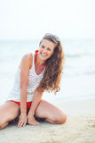 Portrait of smiling young woman on beach Royalty Free Stock Images