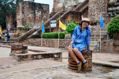 Portrait thaïlandais de femme au chaimongkol de Wat Yai Photographie stock libre de droits