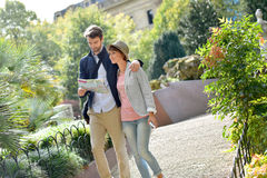 Portrait of tourists walking and discovering public park Royalty Free Stock Photos