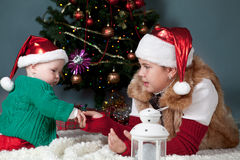 Portrait of two sisters, christmas Royalty Free Stock Images