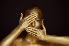 Free Portrait Unearthly Golden Girls, Hands Near The Face. Very Delicate And Feminine. The Eyes Are Open. Frame Of Hands Royalty Free Stock Image - 89433686