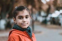 Portrait urbain de petite fille Photo stock