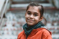 Portrait urbain de petite fille Image libre de droits