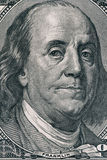 Portrait vertical de visage du ` s de Benjamin Franklin sur le billet d'un dollar des USA 100 Macro tir Photo stock