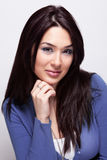 Portrait von einer netten jungen Frau Stockbilder