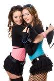 Portrait von zwei glücklichen attraktiven jungen Frauen Stockfotografie