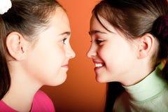 Portrait von zwei jungen Mädchen Lizenzfreie Stockbilder