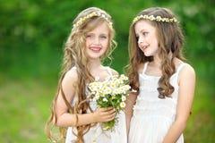 Portrait von zwei Mädchen Stockfotos