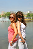 Portrait von zwei schönen Mädchen Lizenzfreies Stockfoto