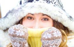 portrait winter woman young Ρηχό DOF Στοκ Φωτογραφία
