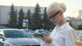 Portrait of Young Beautiful Business Woman Using Tablet PC Outdoors Royalty Free Stock Images