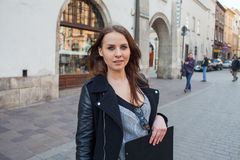 Portrait of young beautiful woman. Urban style. Royalty Free Stock Photos
