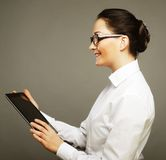 Portrait of a young businesswoman using tablet Royalty Free Stock Photos