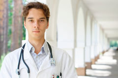 Portrait of a young doctor Royalty Free Stock Photos