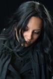 Portraiternste Zigeunerfrau Stockfoto