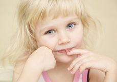 Portraits des kleinen Mädchens Stockfotografie