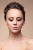 Portrat einer Frau mit natürlichem Make-up Stockfoto