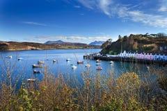 Portree-Hafen, Skye, Schottland Stockbilder