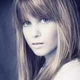 Portreit attractive blond girl Royalty Free Stock Photos