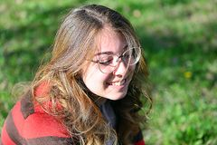 Portreit av en ung flicka royaltyfri fotografi