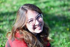 Portreit av en ung flicka arkivfoton
