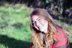 Portreit av en ung flicka royaltyfria foton