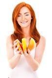 Portret ładna kobieta z grapefruitowym zdjęcie stock