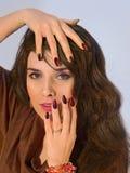 Portret ładna młoda atrakcyjna kobieta Zdjęcia Royalty Free