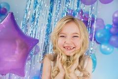Portret Ładna mała dziewczynka z duzi oczy Fotografia Stock