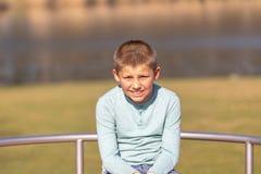Portret śliczna chłopiec w lecie zdjęcie stock