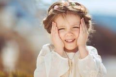 Portret śliczna uśmiechnięta mała dziewczynka w princess sukni obrazy royalty free