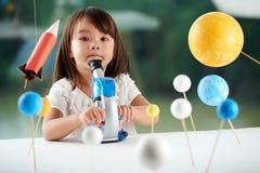 Portret Śliczny Mały naukowiec zdjęcie stock