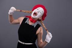 Portret żeński mim z białą śmieszną twarzą Fotografia Royalty Free