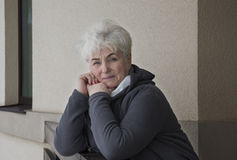 Portret красивой старшей женщины стоковые изображения