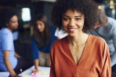 Portret Afrykański bizneswoman kieruje spotkania fotografia royalty free