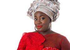 Portret afrykanina model w tradycyjnym kostiumu odosobniony Zdjęcie Stock