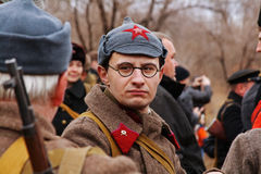 Portret aktor ubierał jako Rosyjski Radziecki żołnierz druga wojna światowa w dziejowej odbudowie w Volgograd Obrazy Royalty Free