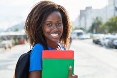 Portret amerykanina afrykańskiego pochodzenia żeński uczeń Obrazy Royalty Free