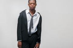 Portret amerykanina afrykańskiego pochodzenia facet, zmęczony pracownik Obraz Stock