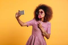 Portret atrakcyjna afro amerykańska kobieta Obraz Royalty Free